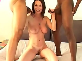 Rayveness is a sweet and kind hotwife