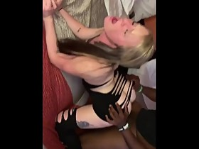 Young White Wife from Alabama fucks BBC