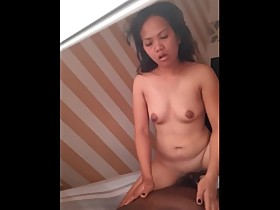 Pinay wife loves to ride dick