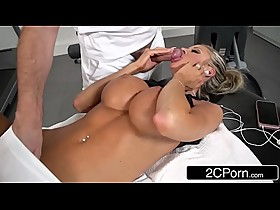 Hot Californian Housewife Courtney Taylor Fucks The Masseuse For Stress Relief