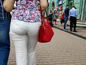 Juicy ass mature milfs in tight white pants